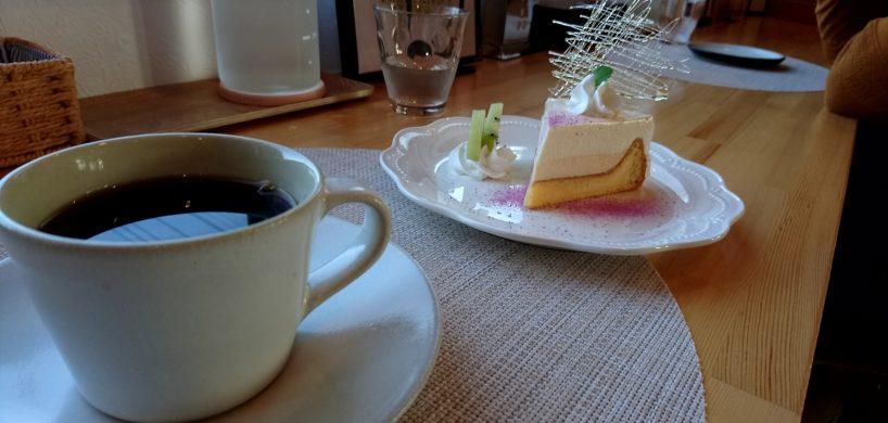 美保野が丘ココデコーヒーチーズケーキ